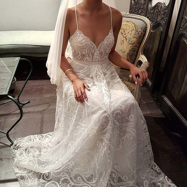 Delicate and Detailed Sleeveless Dress for Summer Wedding Dresses for Brides