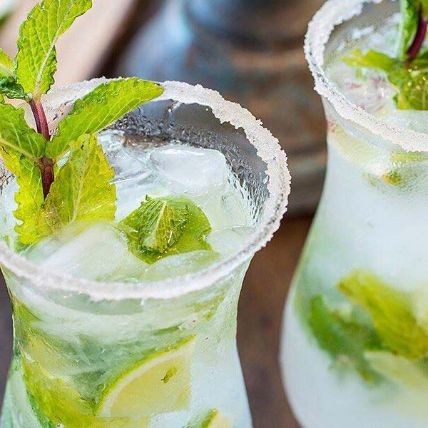 Mint Ice Tea Mojito Summer Cocktails for a Crowd