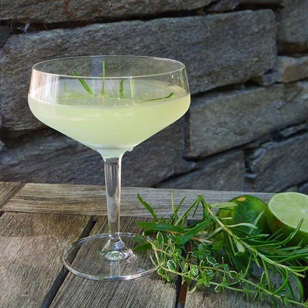 Amalfi Martini for Girly and Delicious Summer Cocktails