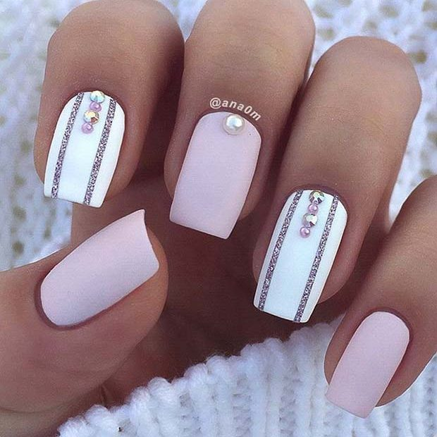 White Accent Nails For Elegant Nail Designs Short