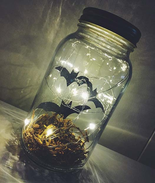 Spooky Jar Decorations for DIY Halloween Decor