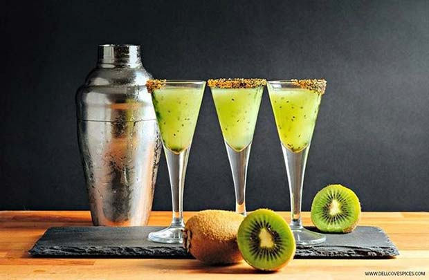 21 halloween party drinks your guests will love page 2 for Halloween green punch recipes alcoholic