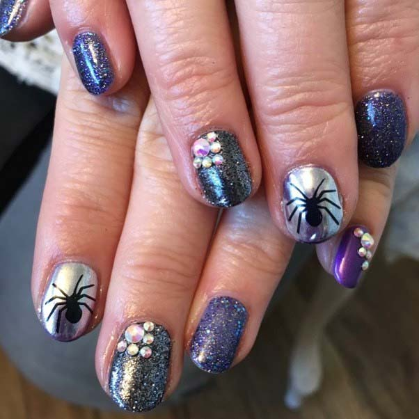 Spider Accent Nail Design for Halloween Nail Designs
