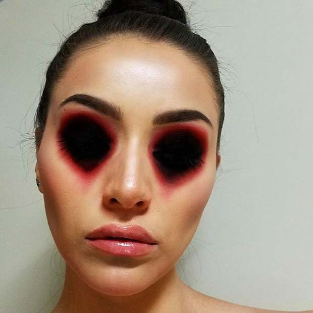 Missing Eyes Makeup for Creative DIY Halloween Makeup Ideas