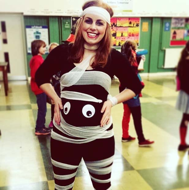 Mummy To Be for Halloween Costumes for Pregnant Women