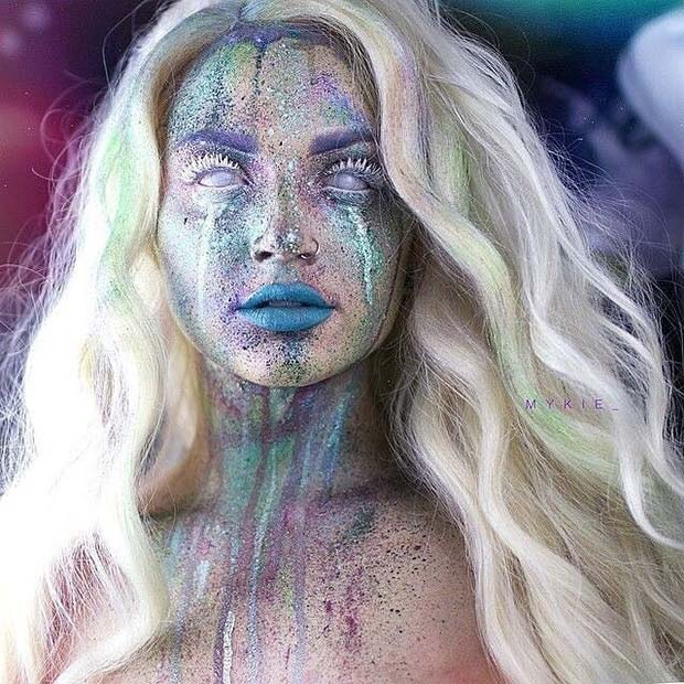 Unique Glitter Makeup for Creative DIY Halloween Makeup Ideas