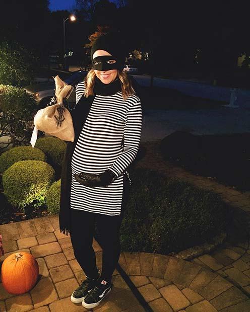 Burglar Costume for Halloween Costumes for Pregnant Women