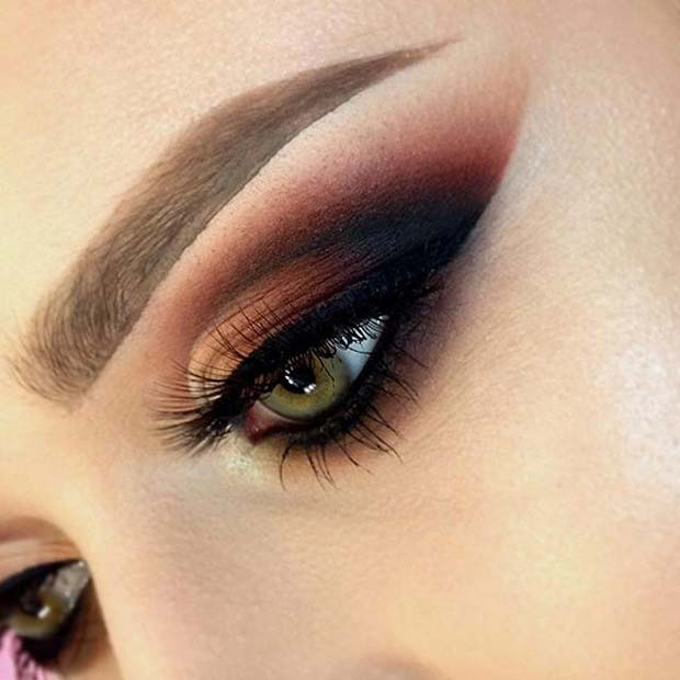 Dramatic and Dark Eye Makeup for Fall Makeup Looks