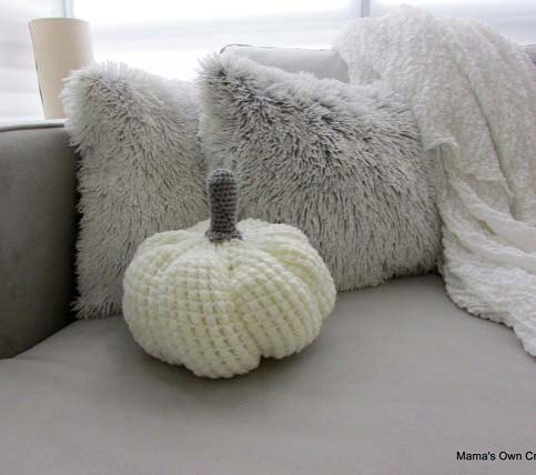 Cute Crochet Pumpkin for Fall Home Decor Ideas