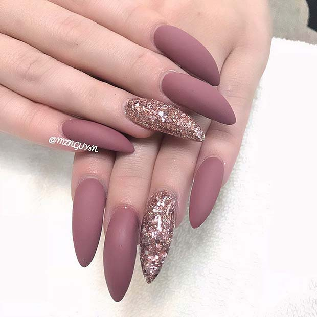 Glam Glitter for Simple Yet Eye-Catching Nail Designs