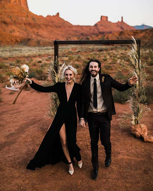 Unique Bride and Groom Styling Idea for Rustic Wedding Ideas