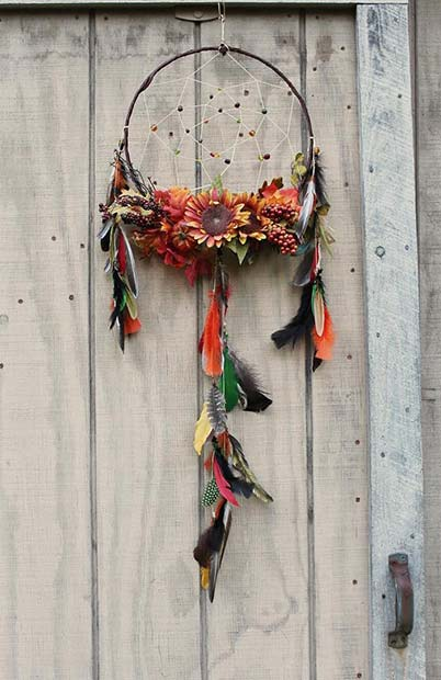 Fall Inspired Dream Catcher for Simple and Creative Thanksgiving Decorations