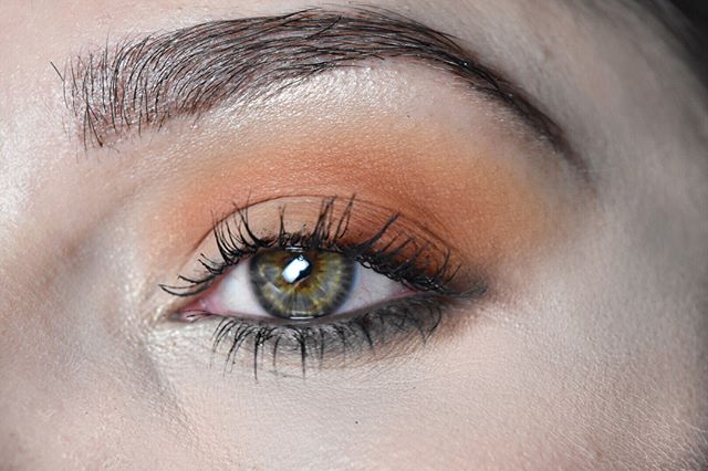 Warm Subtle Eye Makeup for Makeup Ideas for Thanksgiving Dinner