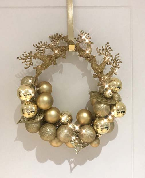 Gold Christmas Bauble Wreath