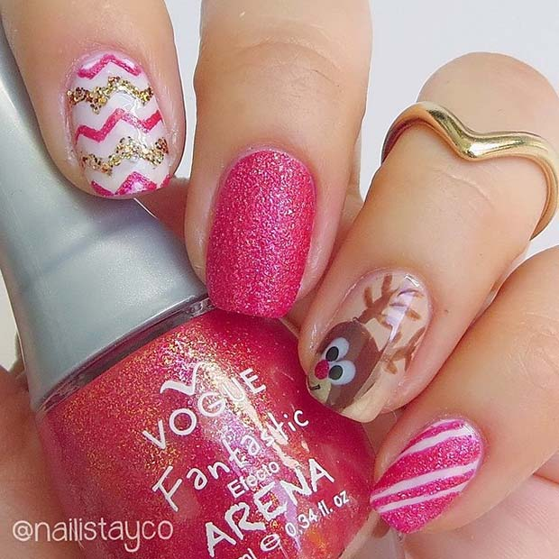 Cute Christmas Nail Designs with Reindeer