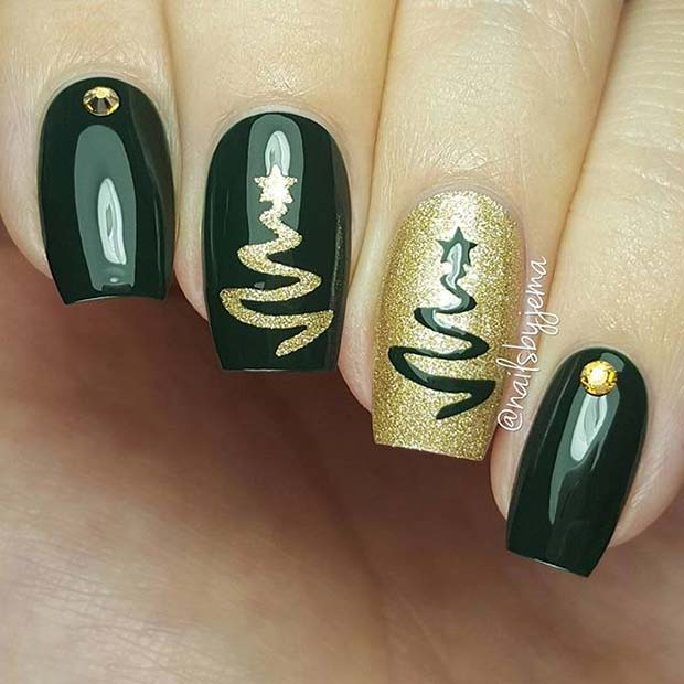 Green and Gold Creative Christmas Nails