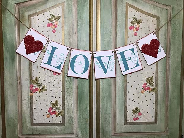 Love Garland Decor Idea