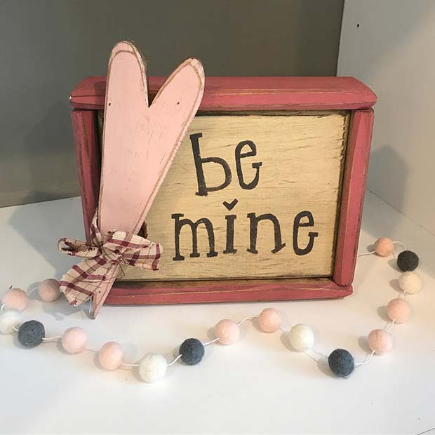 Valentine Be Mine Decor