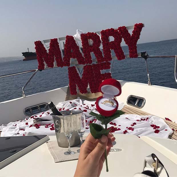 Romantic Boat Wedding Proposal Idea