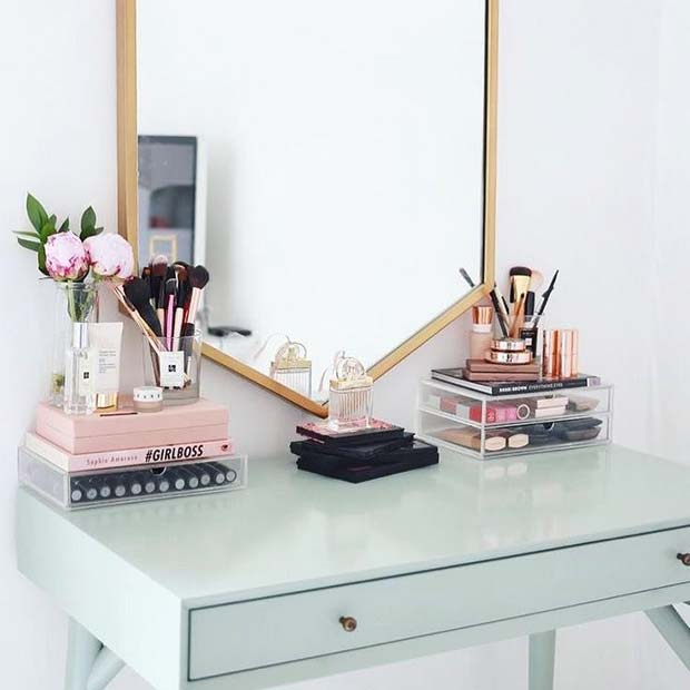 Simple and Stylish Makeup Vanity
