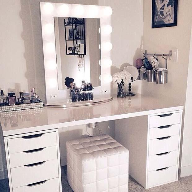 Stylish White Makeup Vanity