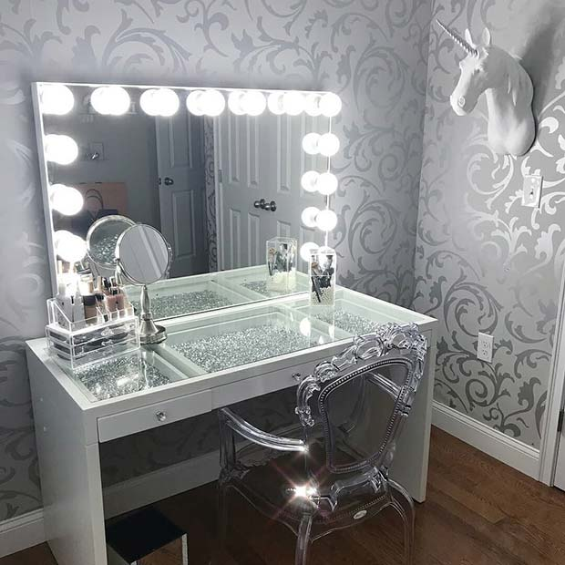 Ultimate Glamour Makeup Vanity Table