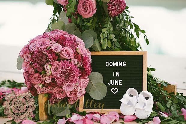 Floral Pregnancy Announcement Idea
