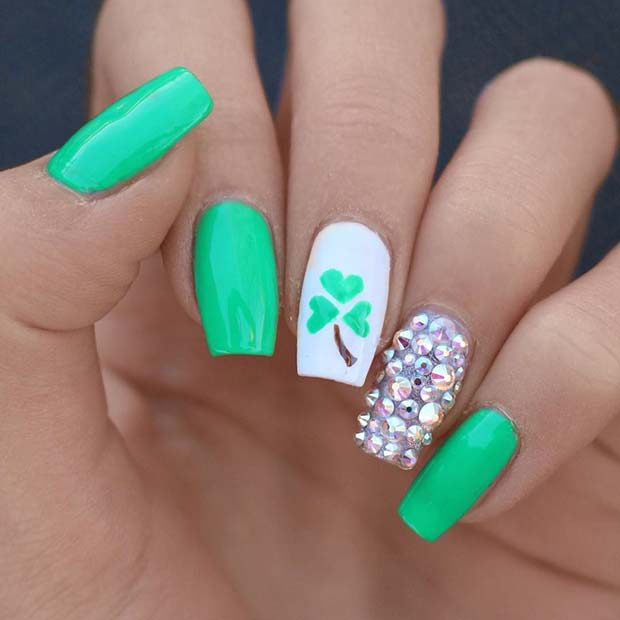 Glam Shamrock Nail Art