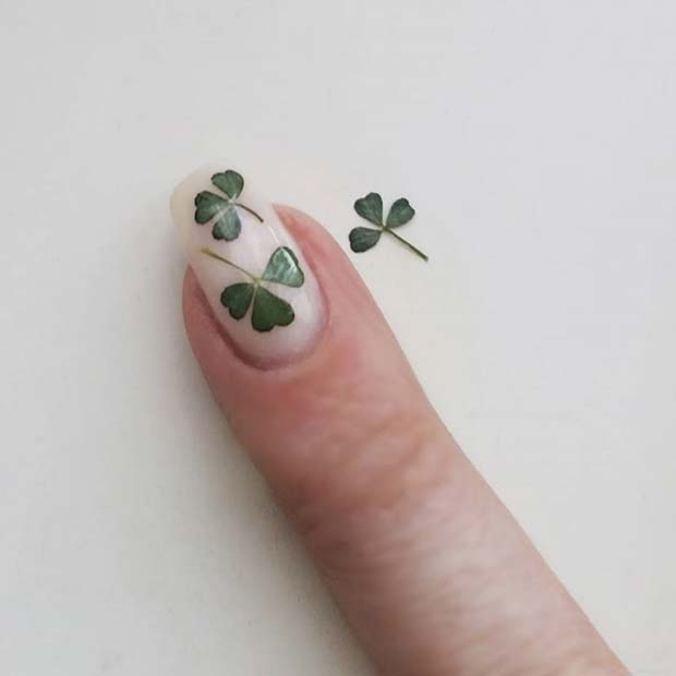 Real Clover Nail Art Idea