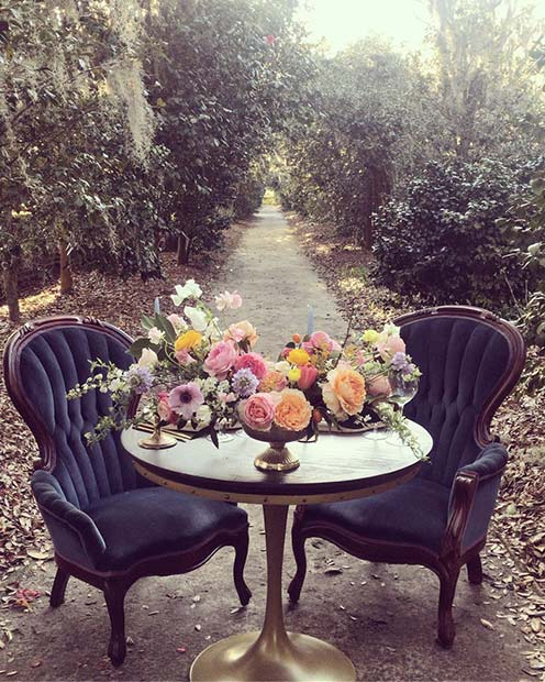 Elegant Table and Chairs Idea for Vintage Wedding
