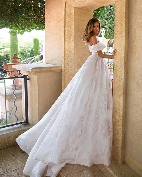 Stunning Off the Shoulder Wedding Gown