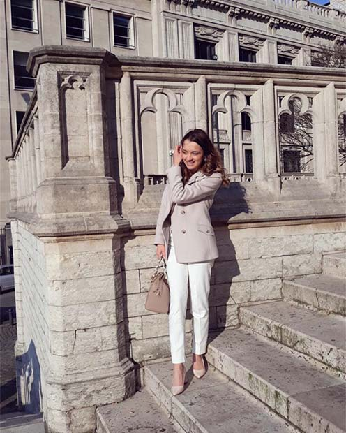 White Trousers Work Outfit Idea for Spring