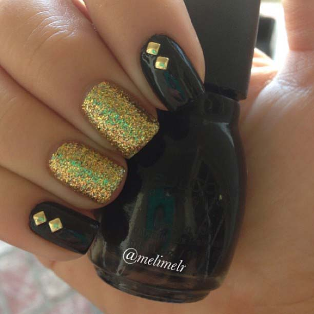Easy Black and Gold Glitter Nail Design