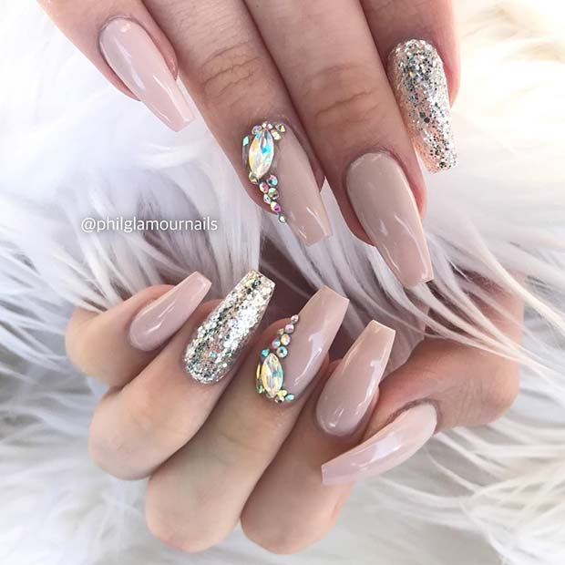 Elegant, Nude Coffin Nails with Rhinestones