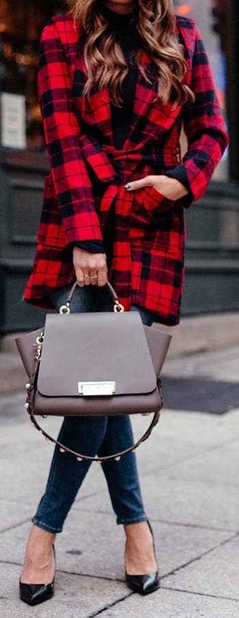 Chic Plaid Coat Outfit Idea
