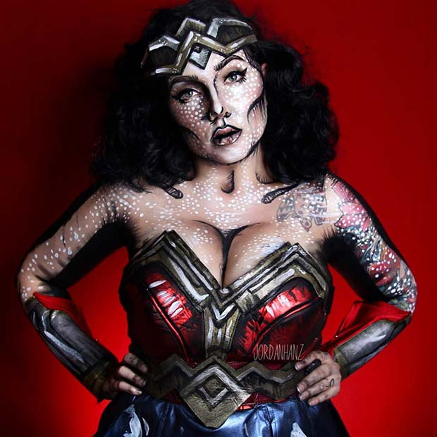 Amazing Wonder Woman Halloween Costume Idea