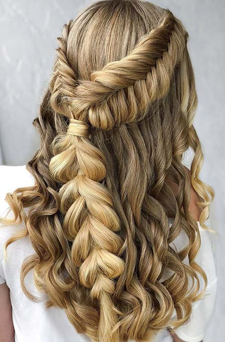 21 Popular Homecoming Hairstyles That\u0027ll Steal the Night