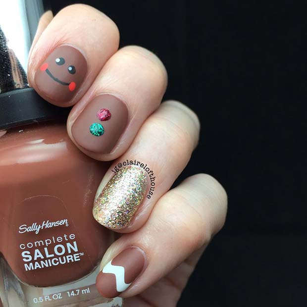 Cute Gingerbread Inspired Holiday Nails