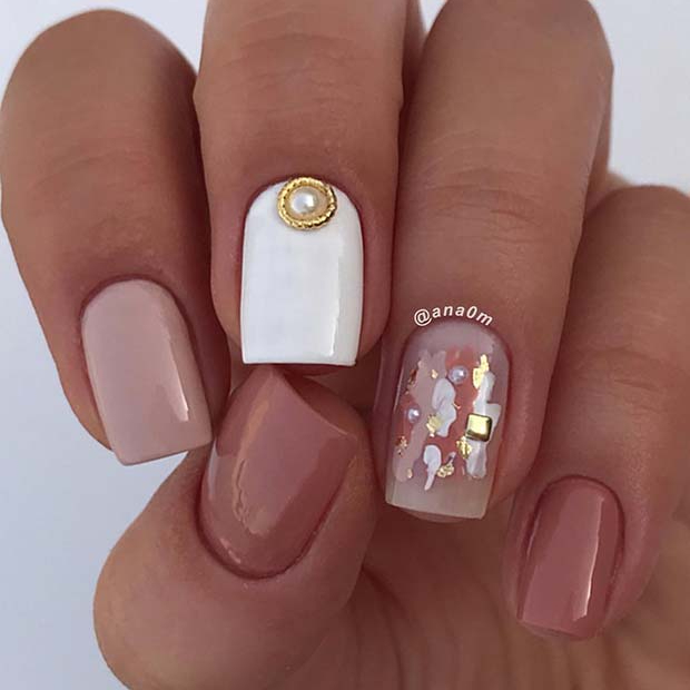 Chic Nude and White Short Nails