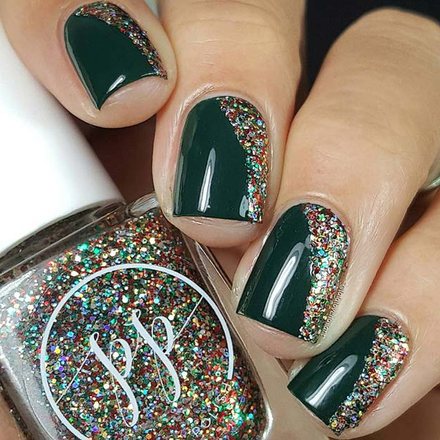 Christmassy Green and Glitter Nails