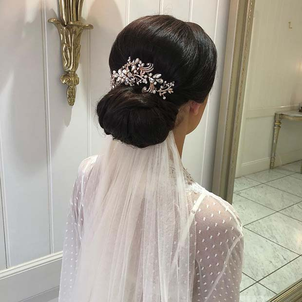 23 Evergreen Romantic Bridal Hairstyles: 23 Stunning Wedding Updos For Brides And Guests