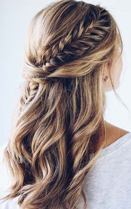 Loose Waves and a Fishtail Braid