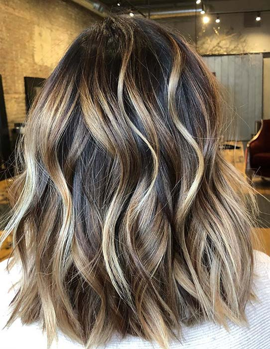 Wavy Brunette Lob with Blonde Highlights