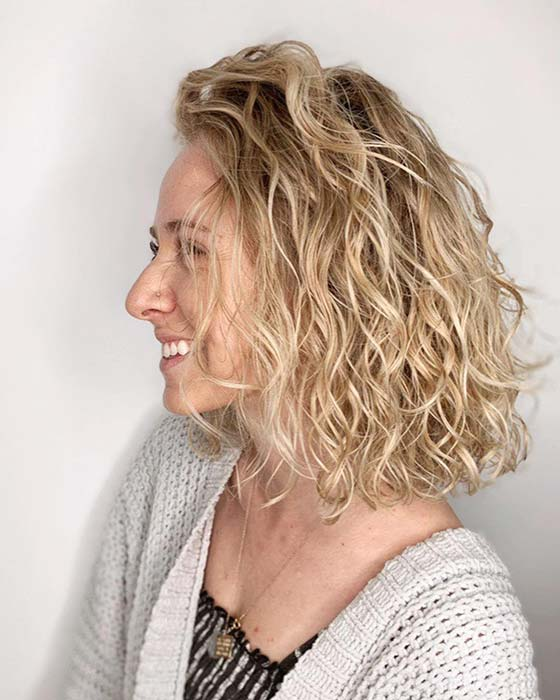 Bob with Loose Natural Looking Curls
