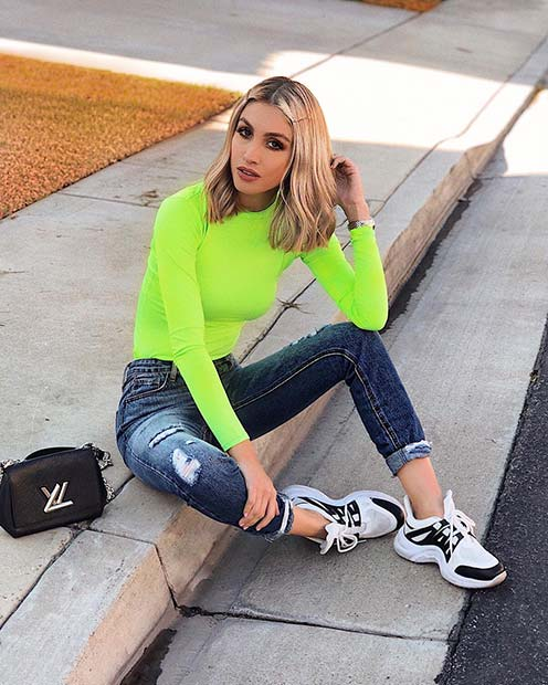 Casual Neon Outfit Idea