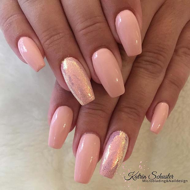 Chic Light Nude Nails