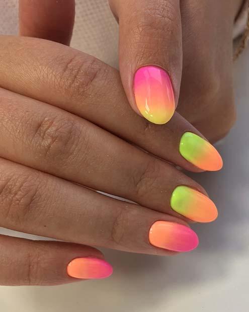 Yaz İçin Neon Gradyan Çiviler