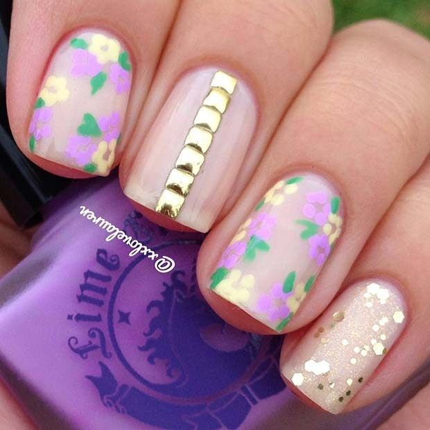 Pretty Flower Nails with Gold Details