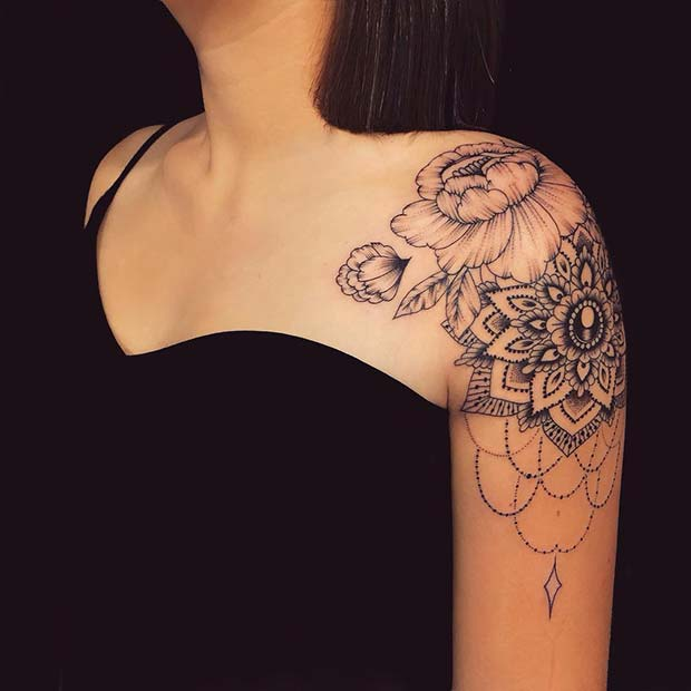 Pretty Shoulder Tattoo Design for Women