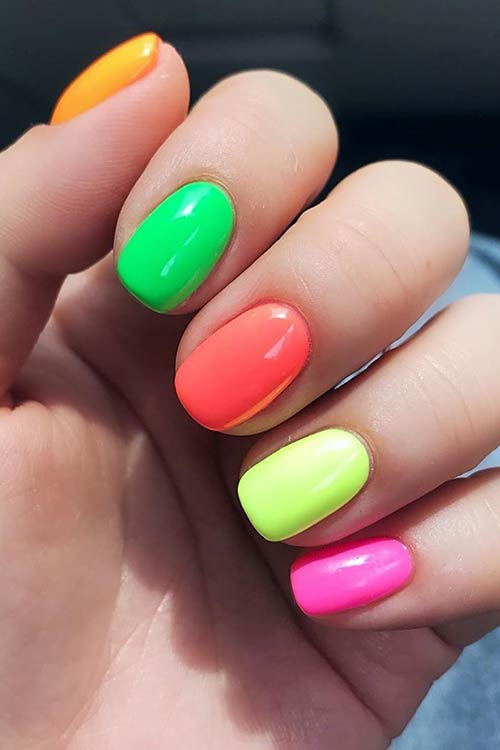 Easy DIY Colorful Nails